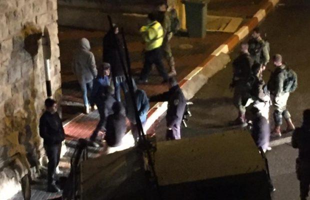 Palestina. Nuevamente a medianoche, colonos israelíes protegidos por el ejército de la ocupación, atacan viviendas palestinas en Hebrón