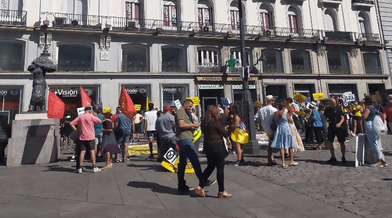 La protesta contó con el liderazgo del periodista colombiano, Daniel Mendoza, también productor de la serie Matarife.