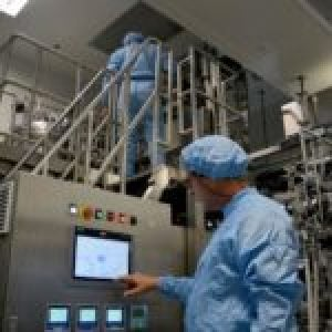¿Qué medicamentos produce e investiga BioCubaFarma en la lucha contra la COVID-19?