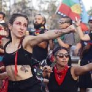 Chile. (Fotoreportaje) La fuerza del cuerpo contra un enemigo poderoso