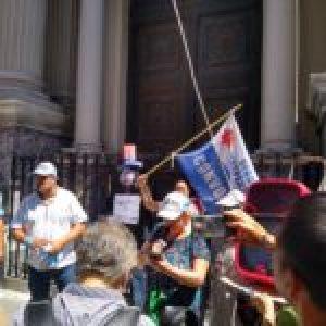 Argentina. Bajo la consigna «El pueblo no debe nada» marcharon del Obelisco a Plaza de Mayo