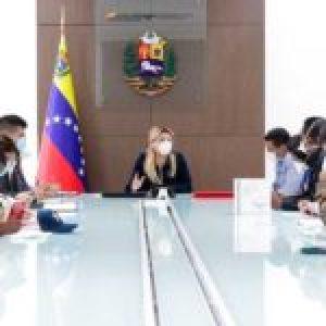 Venezuela. Gobierno coordina con farmacias medicinas e insumos a precios justos