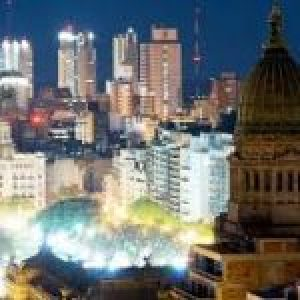 Capital de Argentina se recluye para frenar el contagio por COVID-19