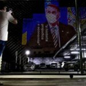 Brasil. Las respuestas de Bolsonaro sobre empleo e ingresos ponen al país «en la linterna» del mundo
