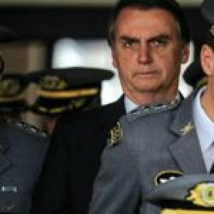 Brasil. ¿A Bolsonaro se le insubordinan los generales?