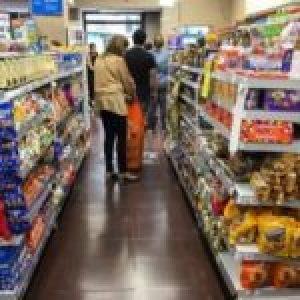 Argentina. Renunciaron quince funcionarios del Ministerio de Desarrollo Social/  Arroyo echó a quien autorizó la compra de alimentos más caros/ Supermercados y Superricos: cuánto ganan, cuánto evaden, cuánto podrían aportar … (Más info)
