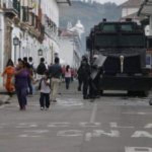 Colombia. En medio de la pandemia Duque gasta 8 mil millones en tanquetas para el ESMAD