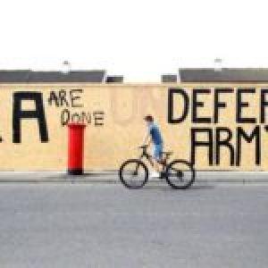 Irlanda. El «Nuevo IRA» recuerda que sigue activo y homenajea a los «caídos por la causa de la libertad» y una Irlanda reunificada y socialista