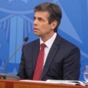 Brasil. Teich anuncia a los militares como mano derecha y dice que tiene un «plan de salida» para restricciones