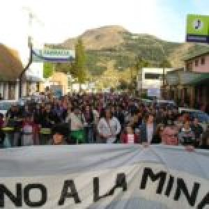 Argentina. Un emporio del shopping aprovecha la pandemia para intentar reinstalar la megaminería en Esquel