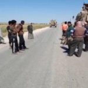 Siria. Ciudadanos sirios impiden paso a convoy estadounidense en Hasakeh