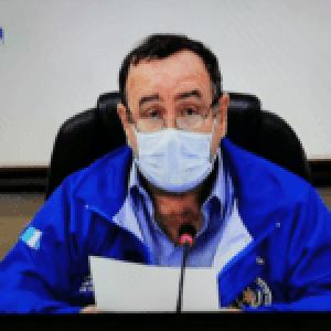 Guatemala.Les aplaude pero no les paga. Estas son las posibles razones del impago al personal de salud.