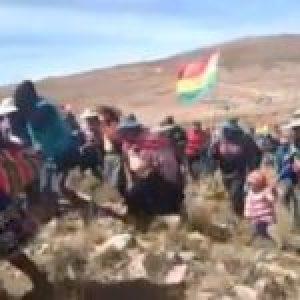 Bolivia. Pobladores del norte de Potosí bloquean ruta en demanda de elecciones y otros cinco pedidos