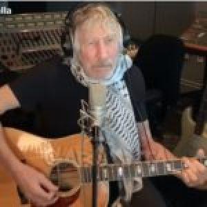 Argentina. Roger Waters le dedicó un video a Ramona y mandó un abrazo a la Villa 31