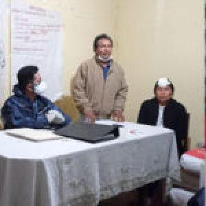 Bolivia. Denuncian que un alcalde de la dictadura atacó a un grupo de mujeres indígenas e hirió a una de ellas (video)