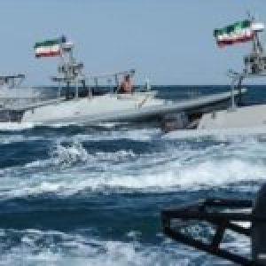Irán .112 lanchas de nueva generación  fabricadas por expertos iraníes se unen a la flota de en el Golfo Pérsico