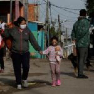 Argentina. Covid-19: Cómo viven en Villa Itatí y Villa Azul el aislamiento y el operativo de detección