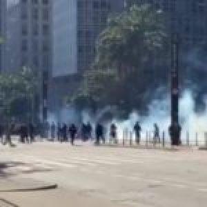 Brasil. Policía Militar dispersa manifestación prodemocrática con bombas de gas en Paulista