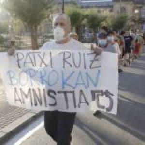 Euskal Herria. 21º día de huelga de hambre del preso vasco Patxi Ruiz / Amenaza policial a jóvenes solidarios
