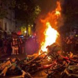 Francia. Incidentes en París en una marcha contra la violencia policial