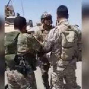 Siria. Campesinos sirios obligan a retroceder a un convoy de EEUU