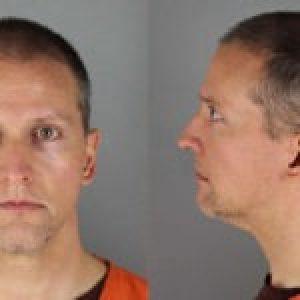Estados Unidos. La Fiscalía eleva el cargo de homicidio al policía del caso Floyd y acusa a los otros tres oficiales involucrados