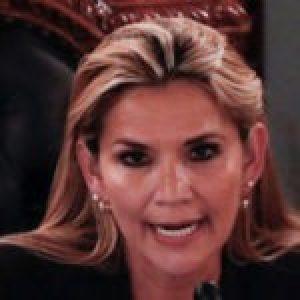 Bolivia. La autoproclamada Añez en toda su esencia: cierra Ministerios de Cultura, de Deporte y dos embajadas.