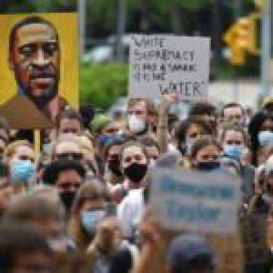 Internacional. Declaración internacional de los movimientos y organizaciones populares en solidaridad con la rebelión antirracista en los Estados Unidos