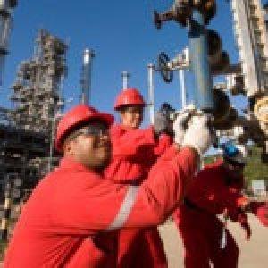 Venezuela. Otra derrota al bloqueo: reactivada la refinería Cardón