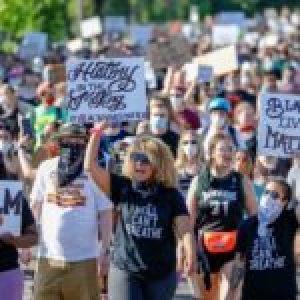 Estados Unidos. Mineápolis aprueba reemplazar la Policía por un sistema de seguridad pública dirigido por la comunidad
