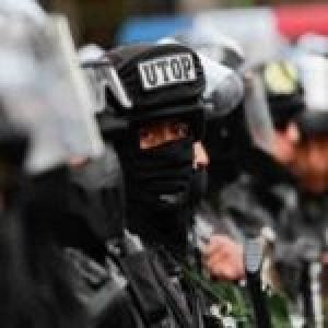 Bolivia. Denuncian movilización policial cerca de la residencia del embajador mexicano