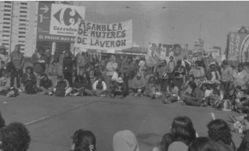 Argentina. Las protagonistas de la primera asamblea de mujeres en el Puente Pueyrredón