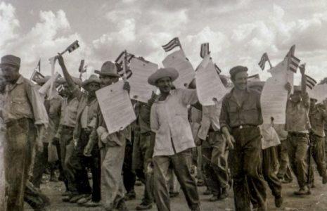 Cuba. 26 de Julio 1960: Más de un millón de cubanos en la Sierra Maestra con Fidel