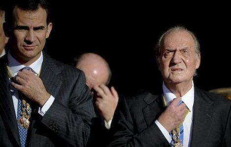 Estado español. Juan Carlos de Borbón, investigado por la Fiscalía, huye del país protegido por el gobierno y el actual rey