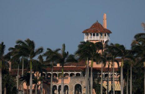 Estados Unidos. Tres jóvenes irrumpen en la residencia de Trump en Palm Beach con un fusil AK-47