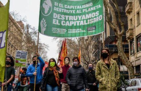 Argentina. Movilización contra la devastación capitalista / En Plaza de Mayo, con fuerte represión