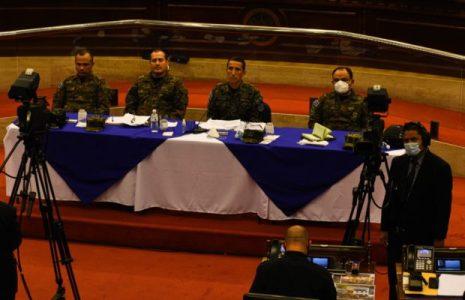 El Salvador. Ministro de Defensa niega su responsabilidad en el 9F y señala al jefe del Estado Mayor Presidencial