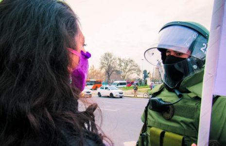 Chile. Movilización por el «Apruebo» al plebiscito, en Plaza de la Dignidad / Hubo represión