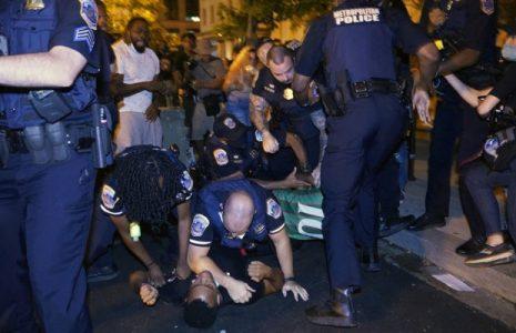 Estados Unidos. Policía mató de un balazo en el pecho a un afroamericano de 18 años en Washington D.C.