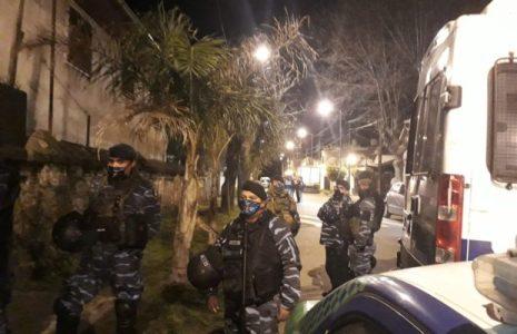 Argentina. La «maldita policía» en acción: Heridos y detenidos en desalojo a 300 familias en Ciudad Evita /Tambien desalojaron otra toma en San Fernando