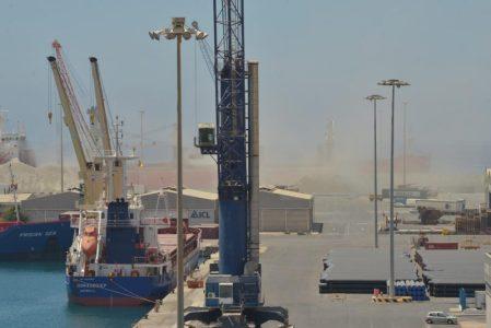 """El Juzgado de Instrucción número 4 de Almería ha acordado abrir diligencias previas para investigar la presunta práctica de actividades """"irregulares"""" en el puerto de la capital"""