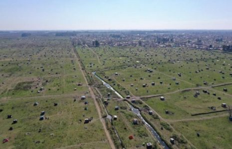 Argentina. La toma de tierras de Guernica visto por el ojo de un excelente fotógrafo