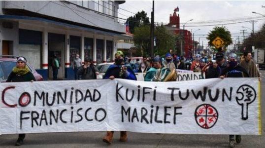 Nación Mapuche.Manifestación en Pitrufken contra la violencia hacia la comunidad Francisco Marilef, Karilafken