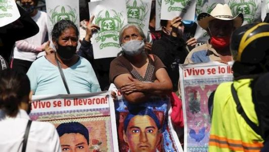 México. Ante casos como el de Ayotzinapa, Tlatlaya o las Muertas de Juárez, autoridades y sociedad reaccionan de la misma manera