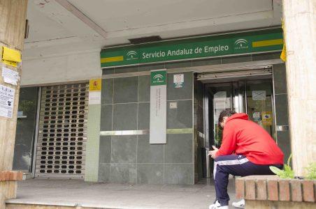 Andalucía continúa cerca del millón de personas en paro, el 56,1% mujeres