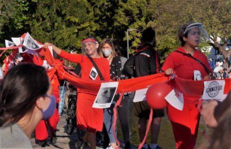Argentina. Marchando y cantando contra la Trata en Parque Centenario /Acción del Frente Cultural Che Adelita (fotos)