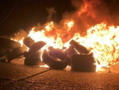 Chile. A un año de la revuelta, el país se llenó de barricadas de fuego (fotos+videos)