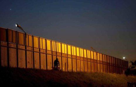 Estados Unidos.  Congreso podía aprobar transferencia de fondos para muro fronterizo con México