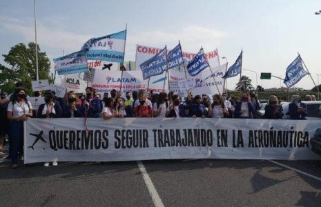 """Argentina. Resumen gremial. Salud: trabajadores reclaman el bono a Larreta para personal administrativo/ """"La reactivación aeronáutica debe ser con todas y todos los trabajadores"""" … (Más info)"""
