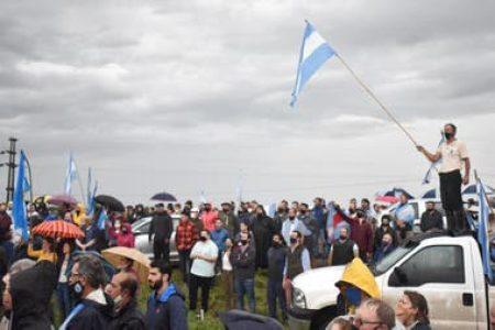 Argentina. Los patrones rurales salieron a apoyar a Luis Miguel Etchevehere con un discurso virulento /Este lunes movilización en apoyo al Proyecto Artigas